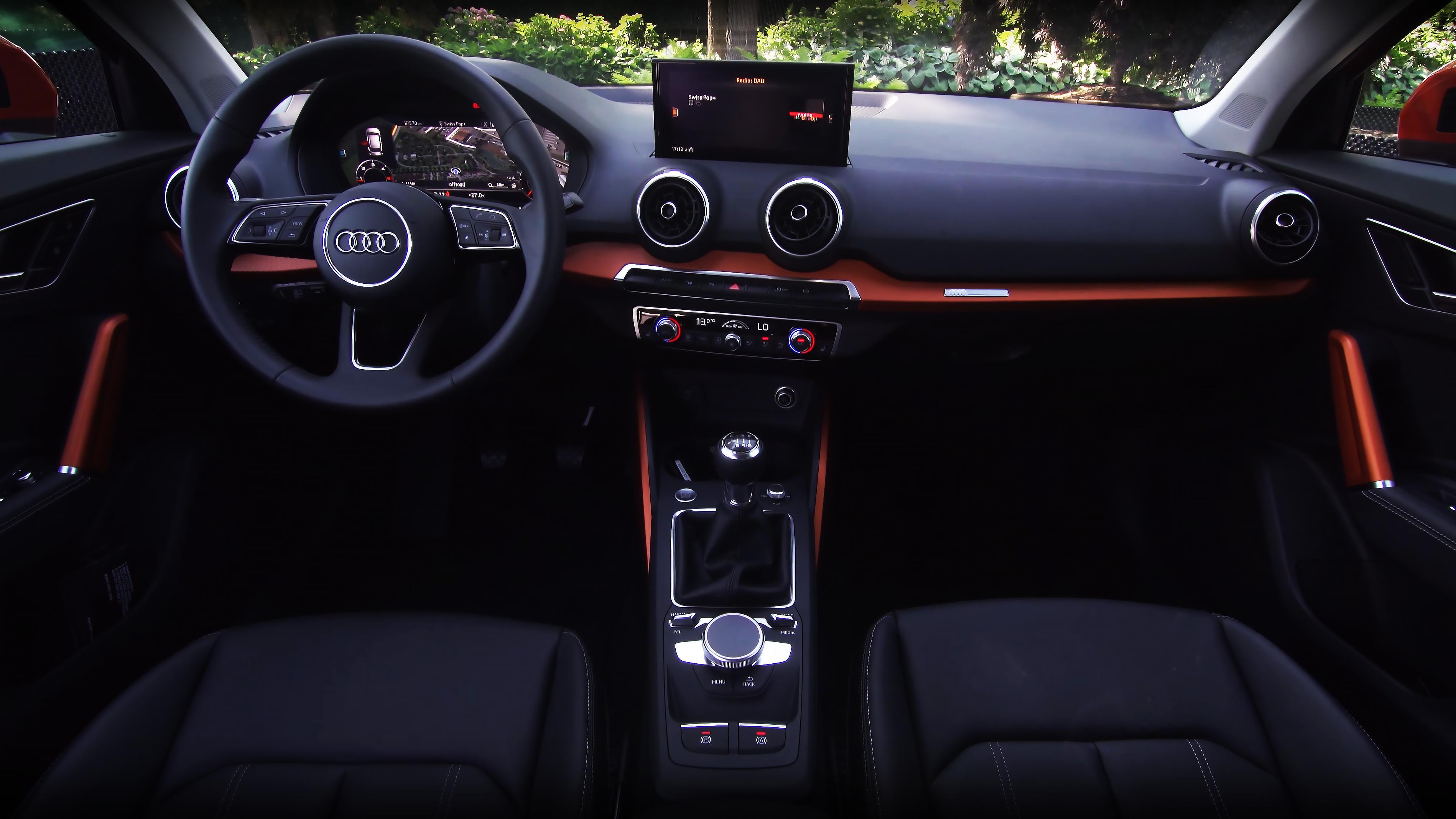Audi Q2 2017 İç Dizayn