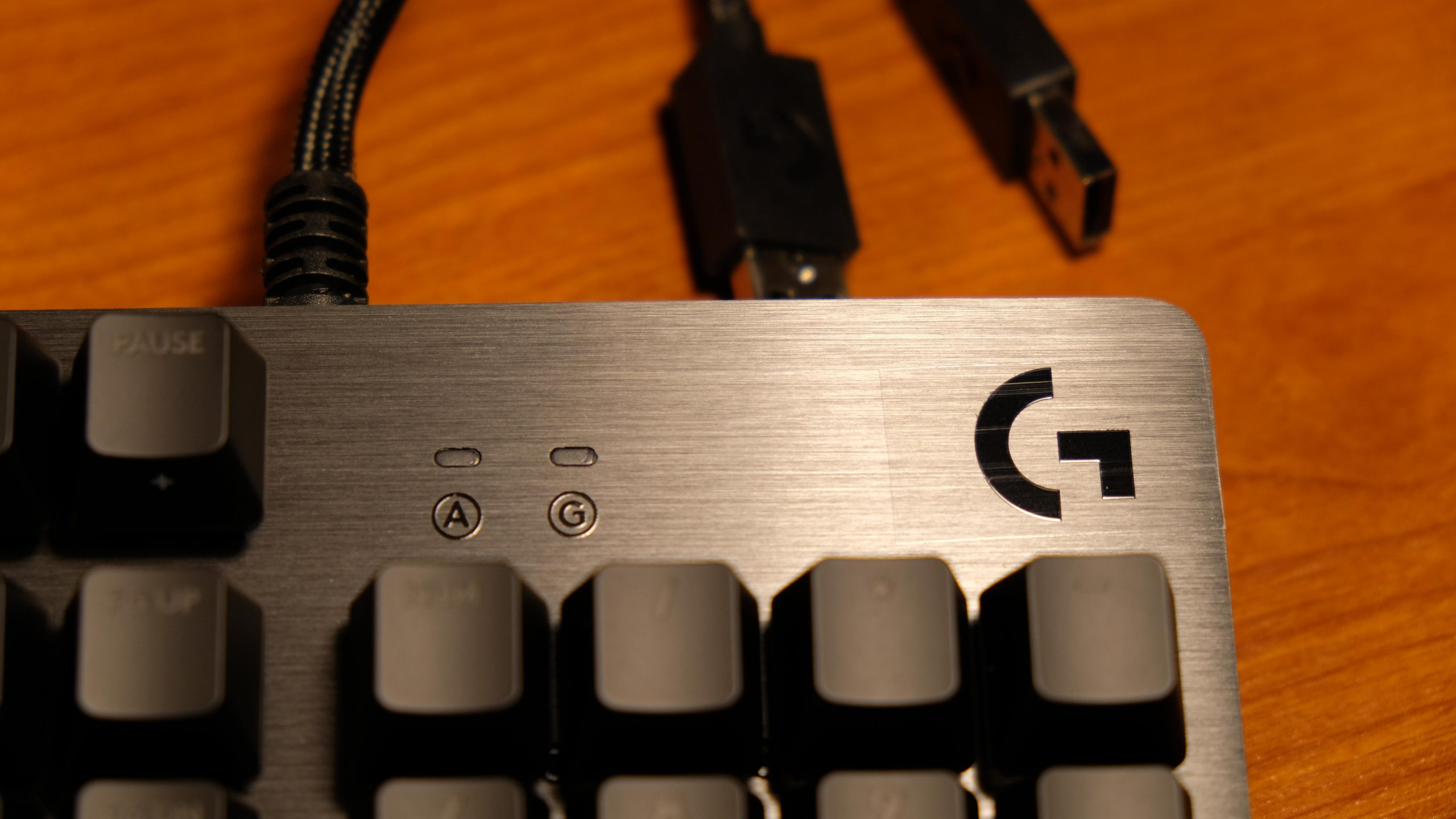 Logitech G513 Carbon Logo