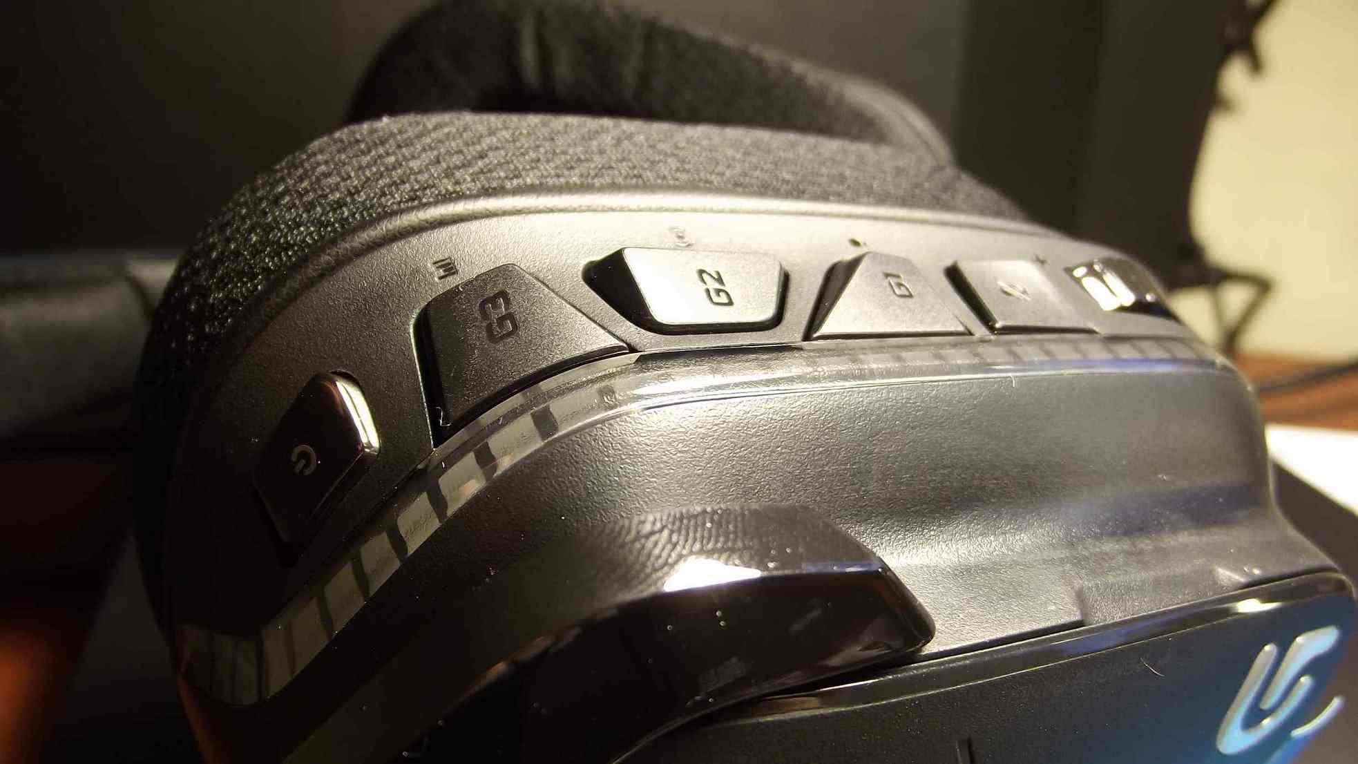 Logitech G933 Artemis Spectrum Butonları