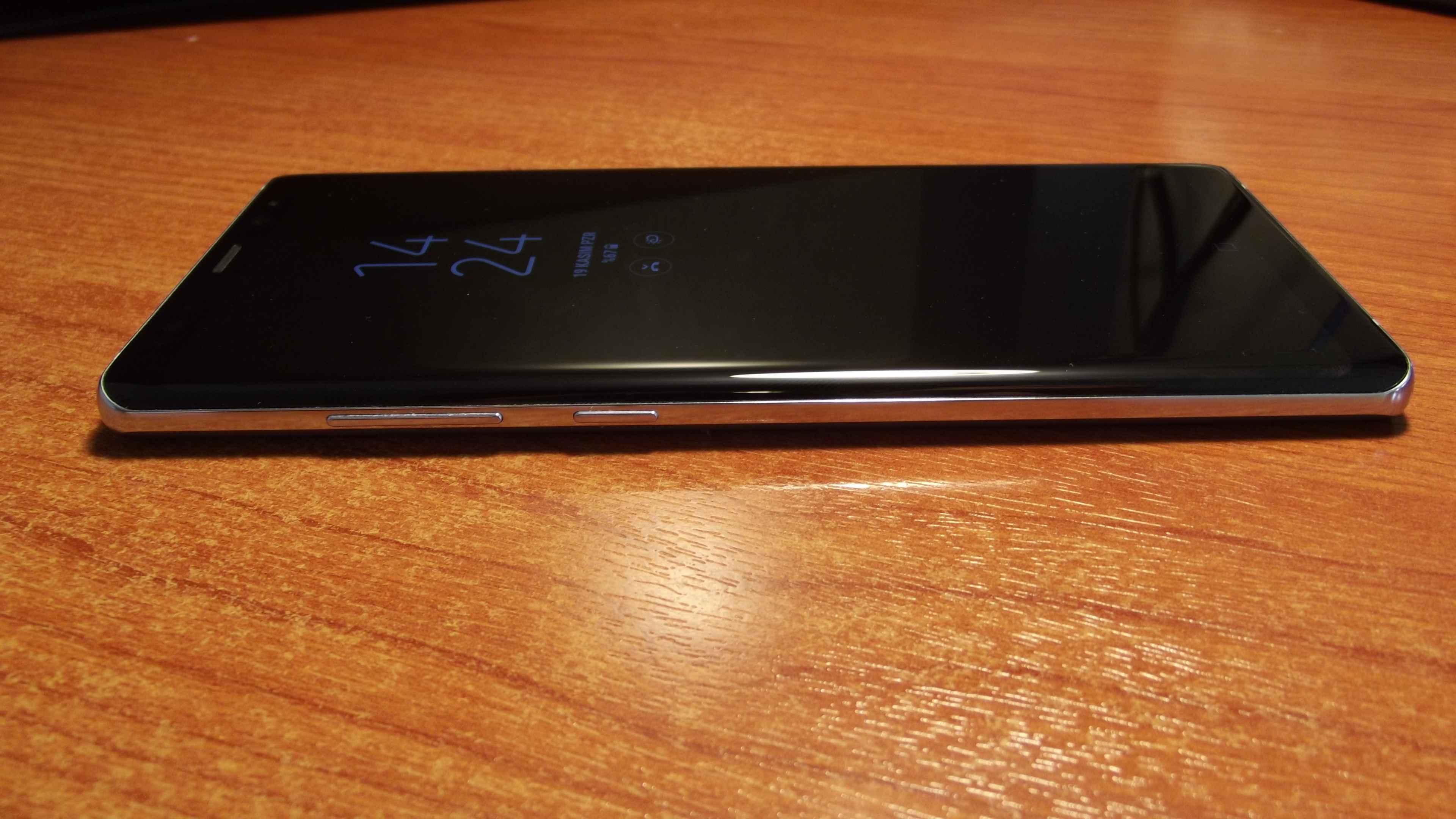 Samsung Galaxy Note 8 Sol Kısmı